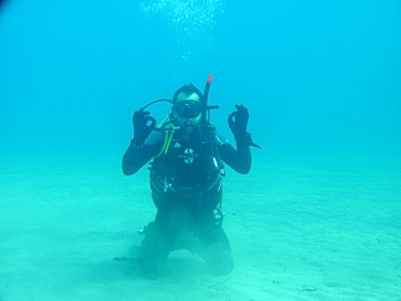 diver in advanced master course dive